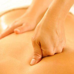 massaggio-schiena-decontratturante